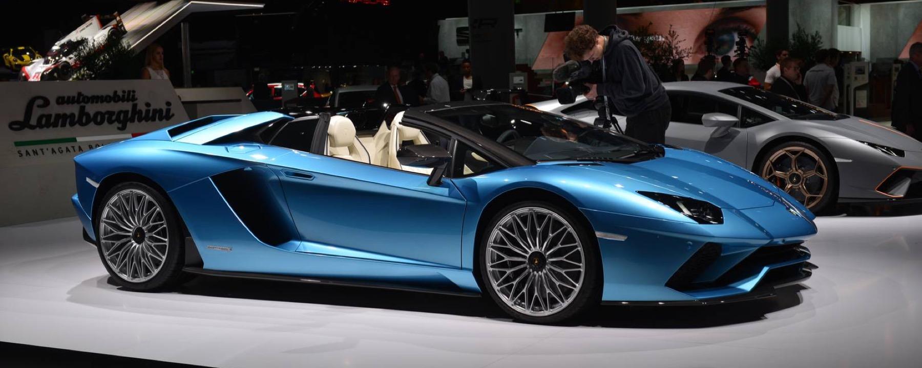 The New Lamborghini Aventador S Roadster